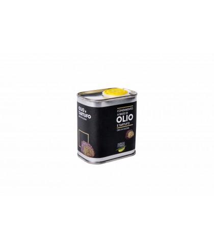 Extra virgin olive oil, flavored with garlic and chilli  - Oleificio Corrias